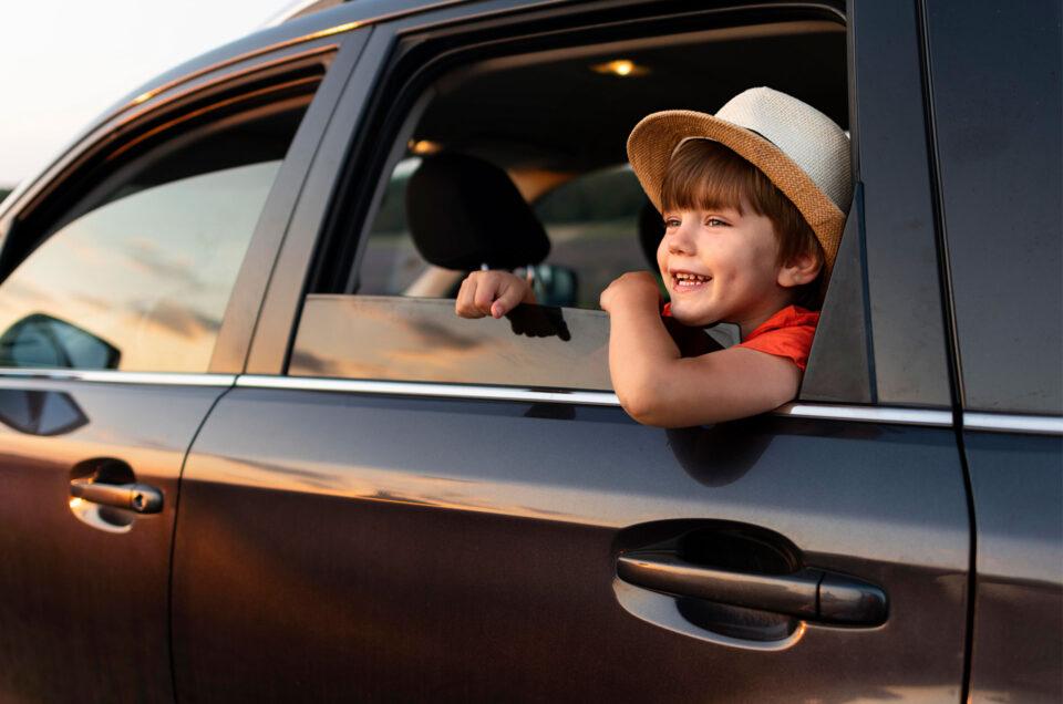 Jak przewozić dziecko w samochodzie? Ważne porady!
