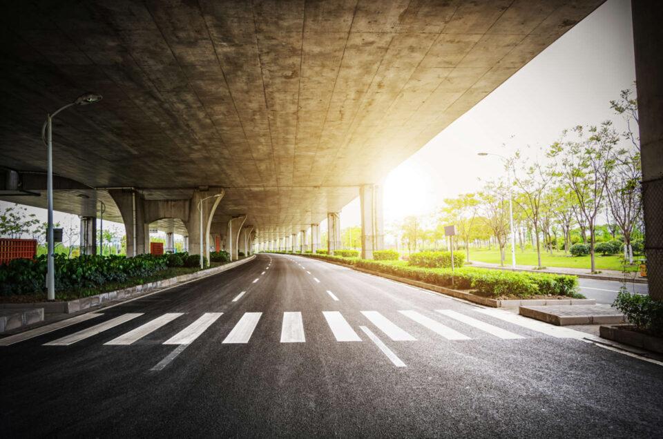Czy jazda na tempomacie jest ekonomiczna? Poradnik kierowcy